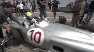ミハエル・シューマッハ&ニコ・ロズベルグ、W196をドライブ