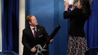 sean spicer press conference melissa mccarthy wearing ivanka trump brand heels snl