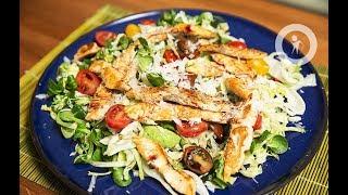Салат с жареной семгой и свежим корном