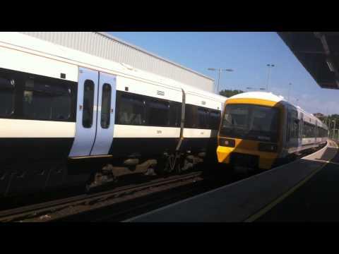 class 465 (465192) arriving into dartford station (platform 1)