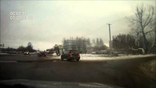 Арматура на дороге(, 2013-12-11T18:07:21.000Z)