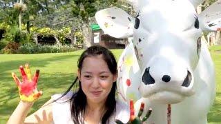 沖縄でのカレンダーロケで莉奈は、「未来から訪れたさまざまな自分と出...