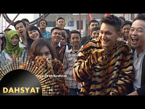 Kejutan untuk Syahnaz, orang di dalam kostum harimau [Dahsyat] [30 Okt 2015]