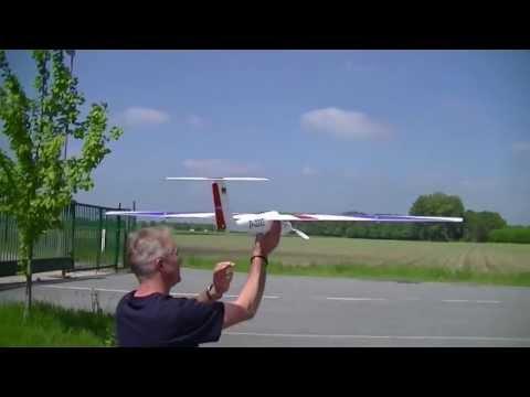 Erstflug Pilatus B4