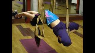 Открытый урок - йога в гамаках. Инструктор Екатерина Булдакова.(Йога в гамаках (или йога в воздухе, антигравитационная йога) - это новый, оригинальный вид занятий, который..., 2013-11-15T19:44:20.000Z)