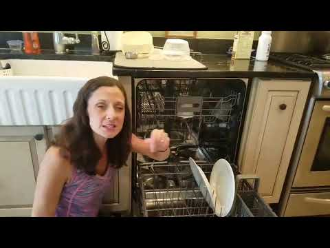 How to get rid of the smell in your dishwasher