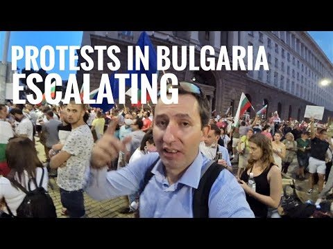 The SCARIEST day 🇧🇬 Protests in Bulgaria are escalating