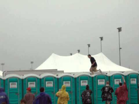 Kentucky Derby Port o Let Races, Wimped OUT