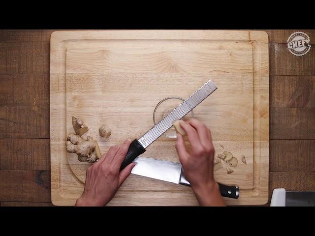 CHEF Culinary Skills: Peeling & Cutting Ginger (Spanish)