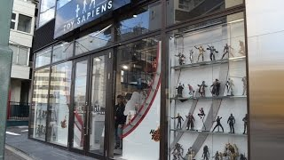 HOT TOYS FLAGSHIP STORE in Japan TOY SAPIENS in Shibuya, Tokyo! Action Figure Shop!