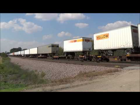 Extremely fast Union Pacific freight train at U Avenue, Boone, Iowa!