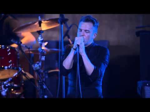 "The Killers: Live from the Artists Den - ""Miss Atomic Bomb"""