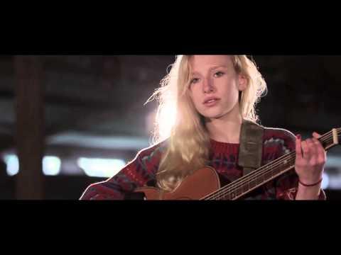 Billie Marten / Unaware (LIVE Video)