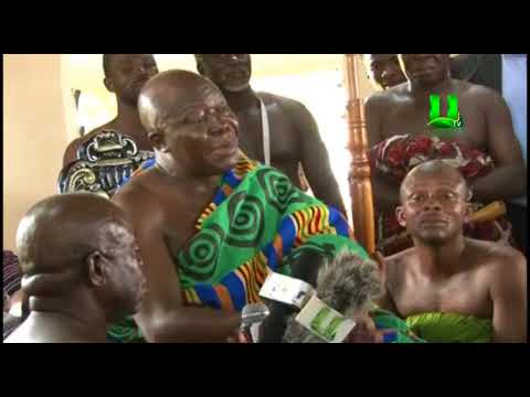 Kotoko Presents FA Cup Trophy To Otumfuo