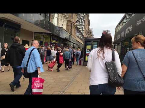 [Binaural audio] A walk through Princes street in Edinburgh