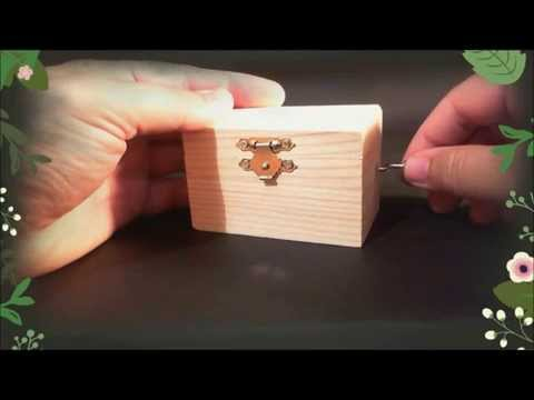 Music box  BRAHMS LULLABY - Wooden hand crank music box - Brahms lullaby