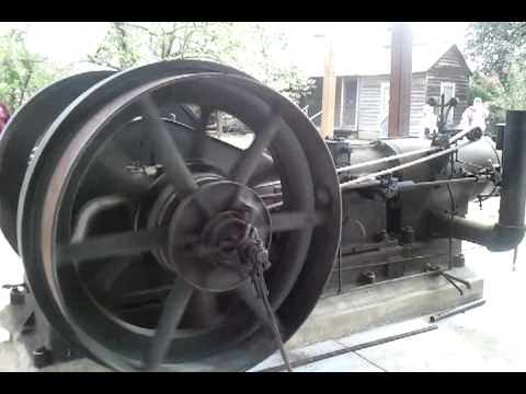 100 hp Chicago Pneumatic Diesel hit and miss flywheel engine