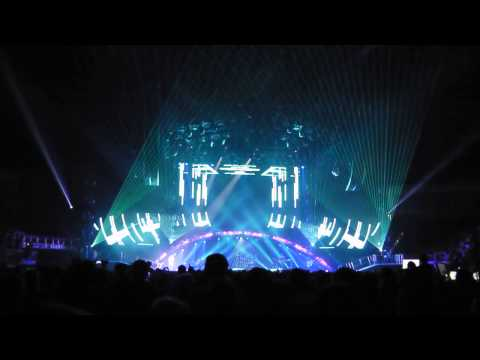 Maroon 5 @ O2 - Lighting and Set Design