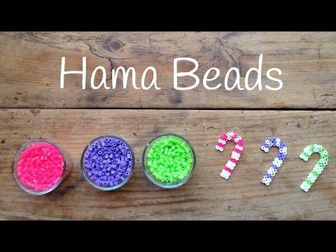 Unos bastones de hama beads ideales como adornos navideños hechos en casa