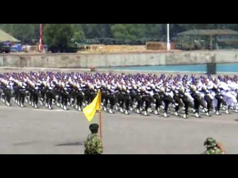 defile polisi militer yang buat orang merinding