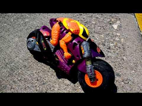 Prueba de manejo Moto Ricochet en estacionamiento I XRC KENNER