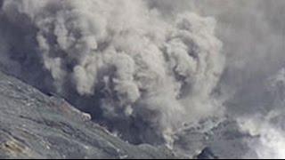 После двух мощнейших землетрясений в Японии проснулся вулкан Асо(Многострадальный остров Кюсю оказался в эпицентре нового, второго за последние трое суток, землетрясения...., 2016-04-16T07:36:54.000Z)