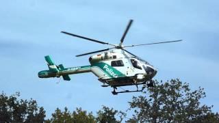 Polizeihubschrauber Landung mit tiefem Überflug