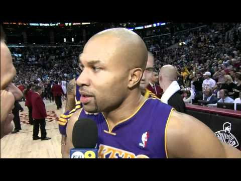Derek Fisher Lakers game winning buzzer beater layup vs. Clippers HD 12-08-2010