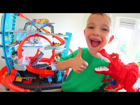 Father & Son GET BIGGEST CAR TRACK EVER! / Hot Wheel City!