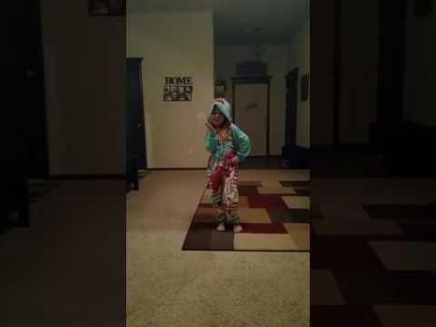 Rainbow Dash Pajama Dance!