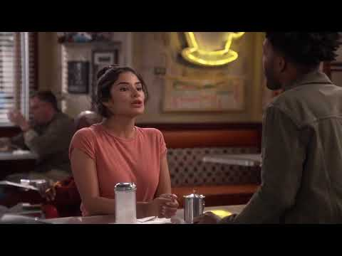 Second sneak peak of Diane Guerrero on Superior Donuts S02E01