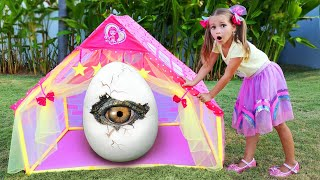 Sofia build Playhouse for kids, funny story about friends