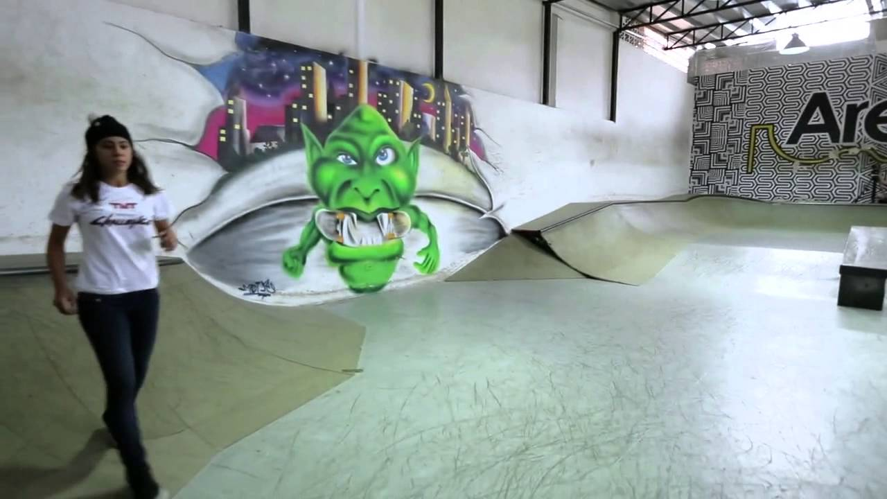 32ccb7a275 TNT Challenge SKATE - Leticia Bufoni Episode. 4 - YouTube