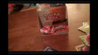 Opening HeartGold SoulSilver Booster Box (Great Pulls)