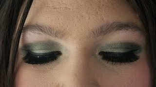 ST PATRICKS DAY dramatic eye tutorial- a talk through Thumbnail