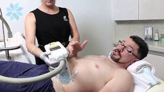 Dr Scott tries COOLSCULPTING at Clinic Aesthetic