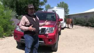 MrTruck review of Nissan Frontier 2013 Towing Cimarron Horse Trailer