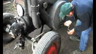 Oldtimer Traktor Lanz Bulldog Glühkopf von 1939 starten