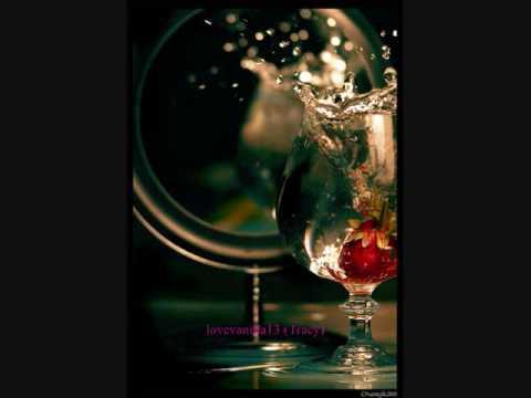Thanh Bùi - Mirror Mirror Lyrics with DL Link
