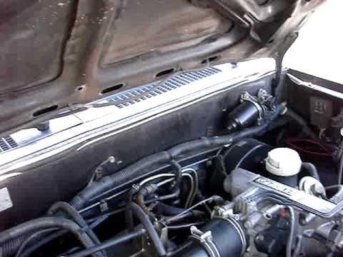 Mitsubishi Mighty Max engine noise - YouTube