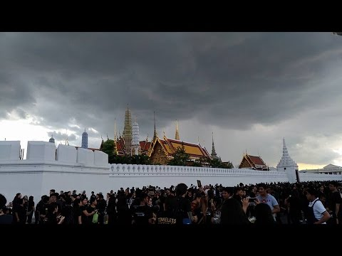 Grand Palace Thailand and Paying Respects To The King