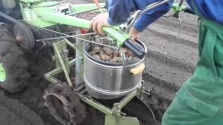 картофелесажалка своими руками для мотоблока(картофелесажалка для мотоблока CATMAN своими руками., 2015-04-28T06:08:56.000Z)