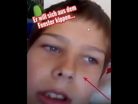 dieser junge will sich aus dem fenster kippen youtube. Black Bedroom Furniture Sets. Home Design Ideas