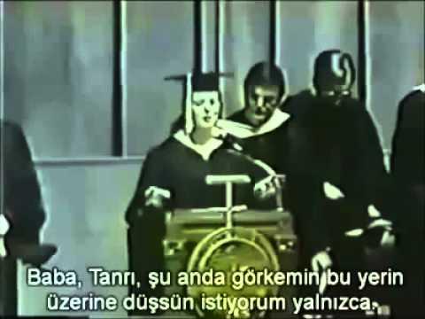 Nagehan ALÇI'nın Katolik okulu mezuniyet töreni!