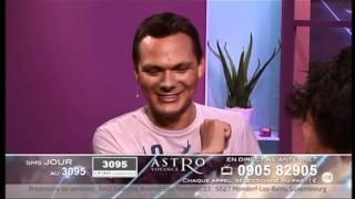 Fou rire sur le plateau d Astrovoyance - Matt et Nicolas Gigliotti (1) c1f23452fc69