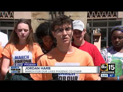 Students send message to Arizona governor