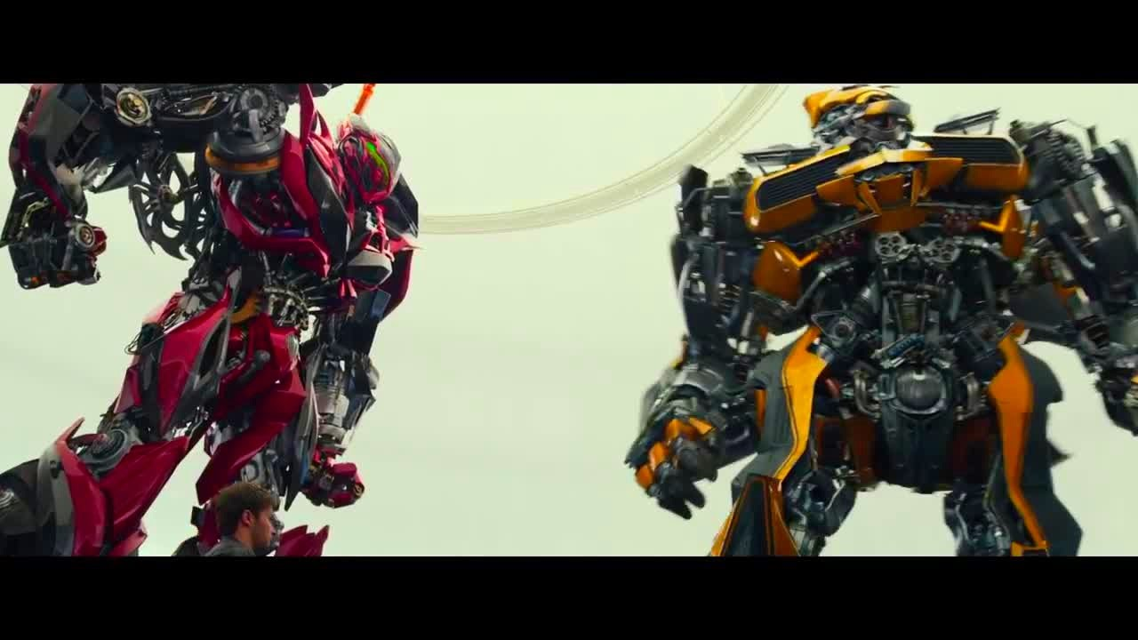 Transformers Age of Extinction - Bumblebee meets Stinger ...