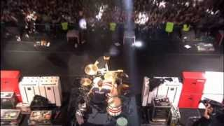"Simple Plan - ""Jump"" / ""I Gotta Feeling"" (Medley) [MTV World Stage México - Live 2013 HD]"