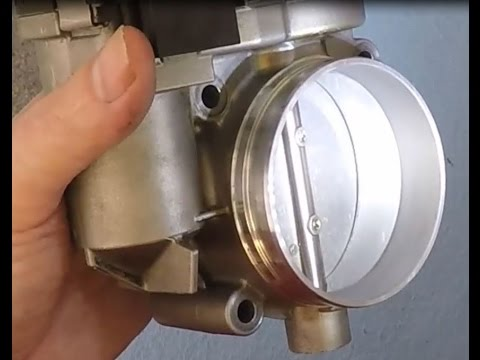 Cleaning the Throttle Body of an Aston Martin DB9