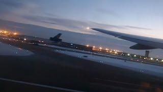 ユナイテッド航空 881便 シカゴ (ORD) ~ 成田 (NRT) ボーイング 777-20...